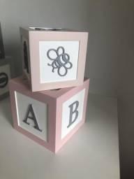 Jogo de dados rosa
