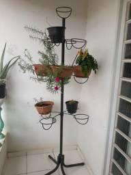 Floreira Jardineira em torre com Suporte pra 13 vasos de planta
