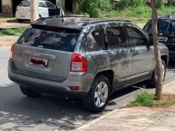 Jeep Compass cinza
