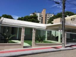 Casa mobiliada com piscina no Pagani