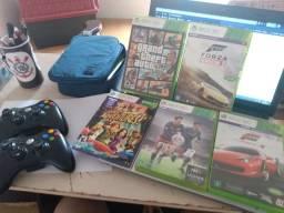 Xbox 360+ 4 jogos originais e um de kinect