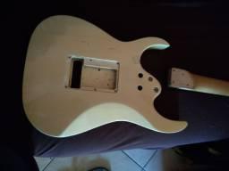 Corpo de guitarra condor