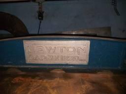 Guilhotina Newton