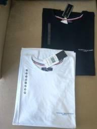 Camiseta  Preta e Branca