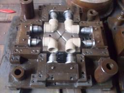 Molde de Conexões Cotovelo Joelho PVC 90º Soldável 25mm para Injetora