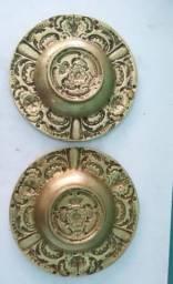 Dois Pires De Bronze