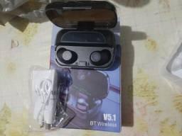 Fone de ouvindo Bluetooth com powerbank