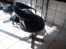 Título do anúncio: Cadeira para Cabeleireiro Preta