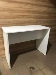 Escrivaninha / mesa para estudo