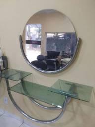Prateleira com espelho