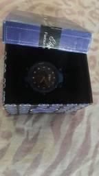 Relógio com caixinha  20.00 cinto 15.00