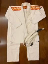 Título do anúncio: Kimono semi novo kvera