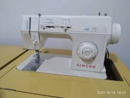 Título do anúncio: Máquina de costura Precisa Singer