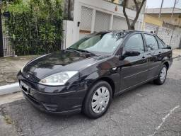 Título do anúncio: Focus Sedan GLX 1.6 FLEX 2008