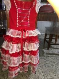Título do anúncio: Vestido infantil feminino usado uma vez 8anos