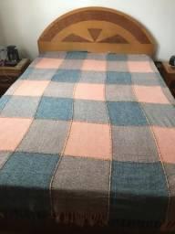 Vendo cama de casal com criados