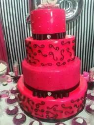 Vendo essa maquete de bolo.R$100,00