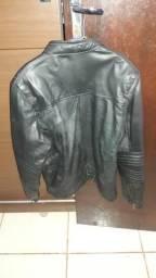 Vendo ou troco jaqueta de couro feminina