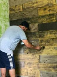 E feito madeira com