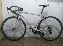 Bicicleta Oxer Fast - Aro 700 - Freio Ferradura - Câmbio Traseiro Shimano - 12 Marchas!