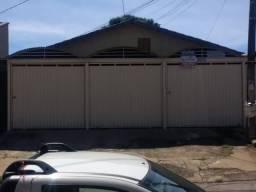 casa em condomínio residencial de 2 e 3 quartos, com garagem e toda independente