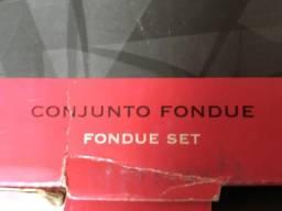 Conjunto fondue. 23 peças