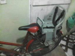Bicicleta caloi com cadeirinha R$:180,00