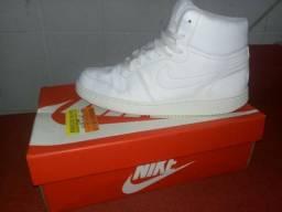 ebb0895646 Tênis Nike Ebernon MID N°40 Branco