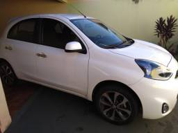 Nissan March 1.6 automático baixa km
