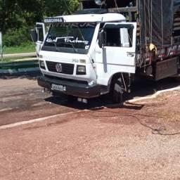 Caminhão 7 110