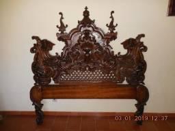 Vendo cabeceira de cama período imperial entalhada a mão comprar usado  São Pedro da Aldeia