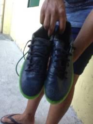 Chuteira Adidas 44