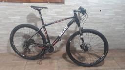 Bicicleta aro 29 MTB Caloi Elite impecável.