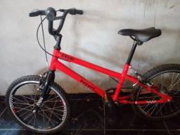 Título do anúncio: Vendo ou troco bicicleta caloi nova com nota fiscal