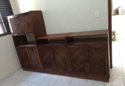 Estante de madeira maciça