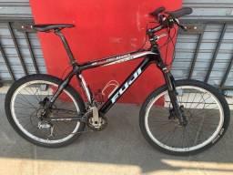 Título do anúncio: Bicicleta de carbono Fuji