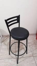 Banqueta almofadada R$120.00