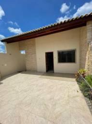 N1600 - Casa com 3 quartos!