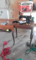 Título do anúncio: Maquina de costura (aceito proposta)