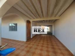 Título do anúncio: Casa com 3 dormitórios à venda, 190 m² por R$ 600.000 - Vila Olinda - Rio Verde/GO