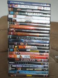 Lote com 25 DVDs. FILMES/ SHOWS originais com preço de desapego (ITAJAÍ)