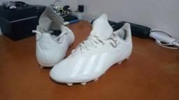 Chuteira Adidas X18
