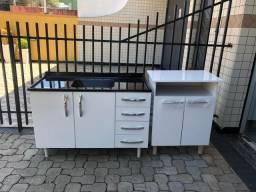 Pia de cozinha e armário Microondas!