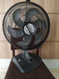 Ventilador 40 cm 6 pás. funcionando perfeito. 1ano de uso