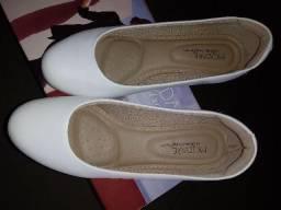 Lindo.sapato branco.(987375905)