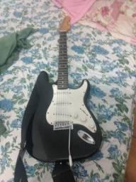 Guitarra em bom estado