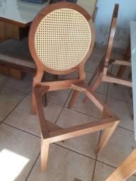 Cadeiras de jantar com telinha