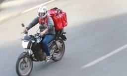 Precisa-se de entregador com Moto e Bag