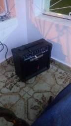 guitarra mais amplificador BERHRINGER