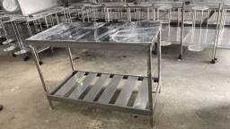 Mesa aço inox com paneleiro